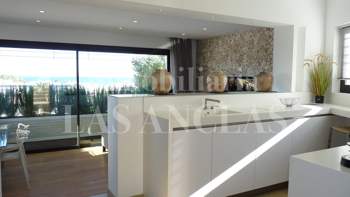 modern kitchen with sea views - villa in Santa Eulalia Ibiza for sale
