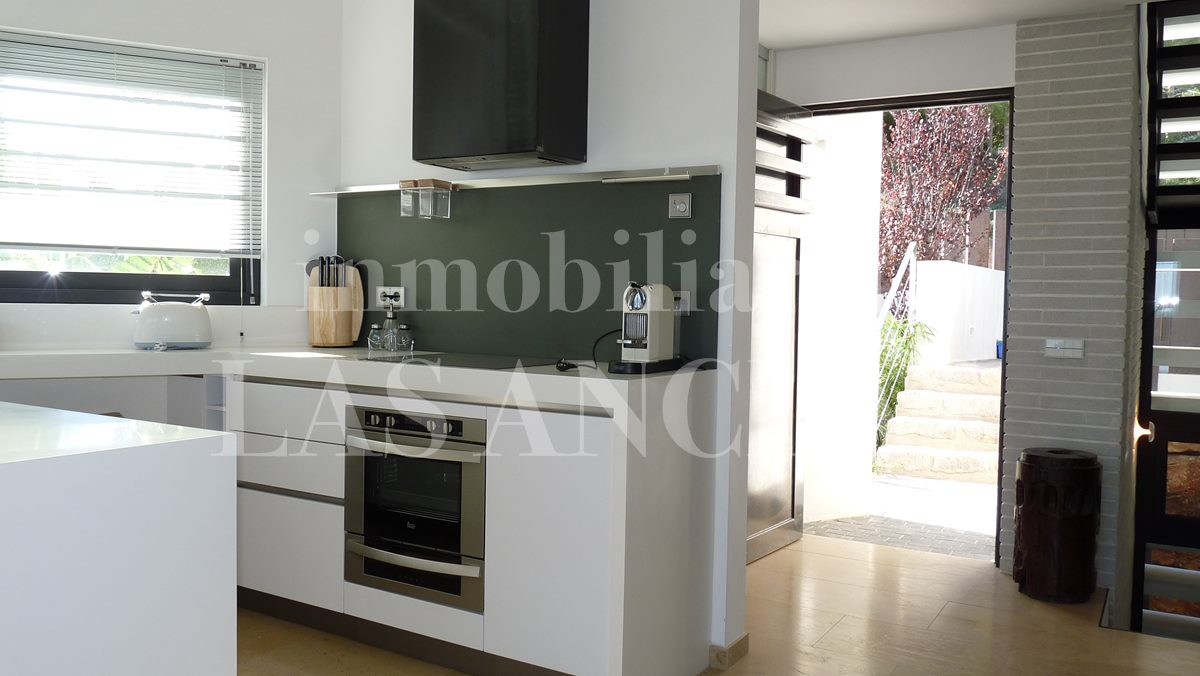 kitchen next to main entrance - villa in Santa Eulalia Ibiza for sale