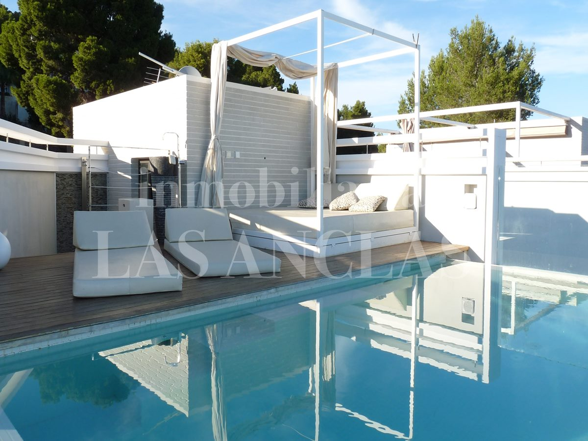 exclusive roof terrace with sea views and private pool - villa in Santa Eulalia Ibiza for sale