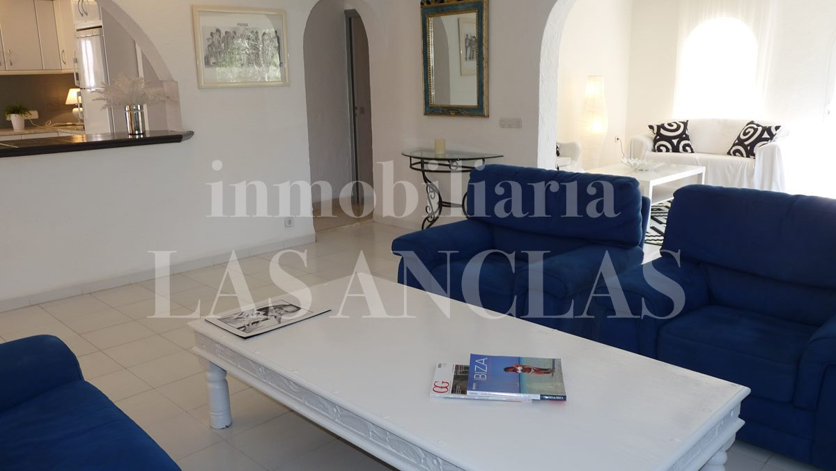 living rooms with kitchen breakfast bar  - house / villa in Santa Eulalia Ibiza for sale