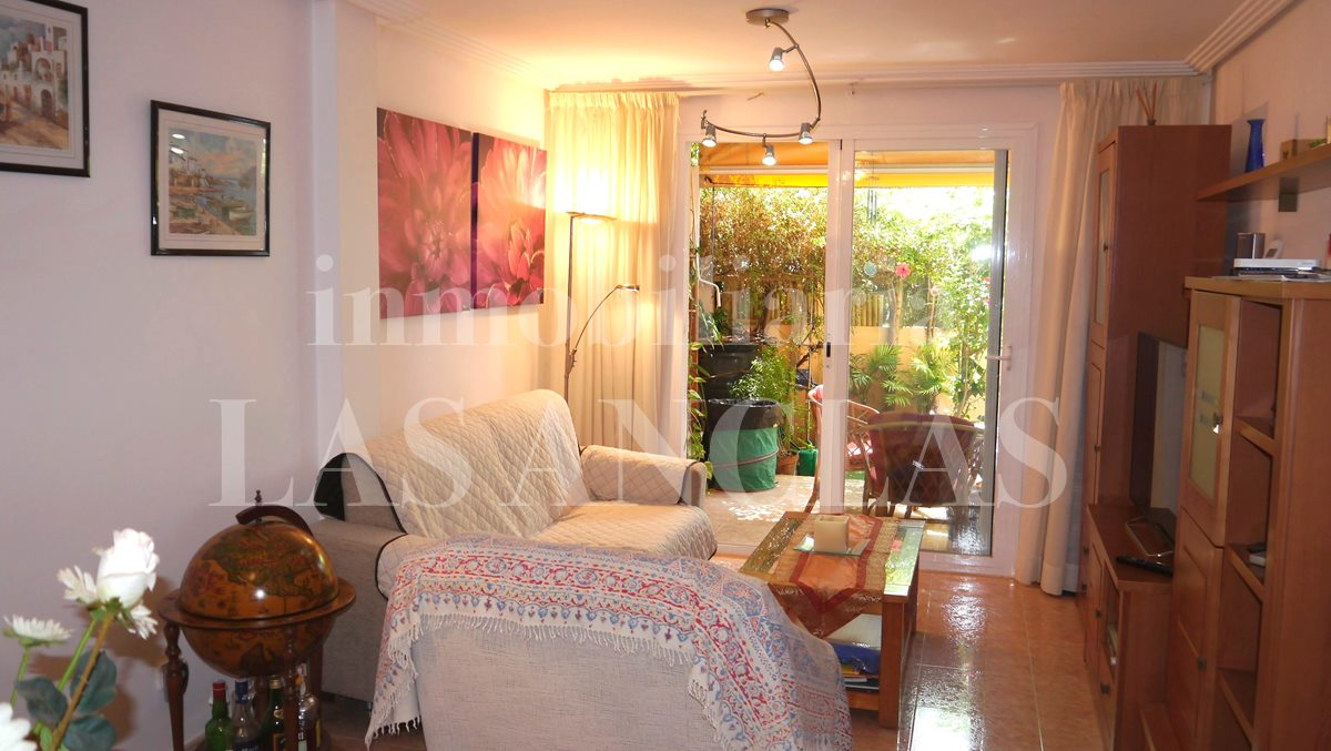 Ibiza Jesús - Central and sunny ground floor apartment with nice terraces for sale