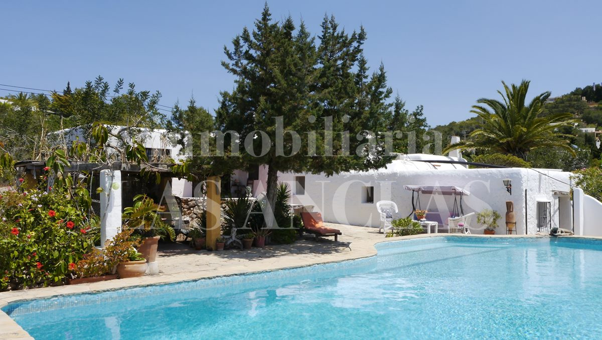 Authentic  finca with sea views and pool for sale - finca in Jesús Ibiza for sale