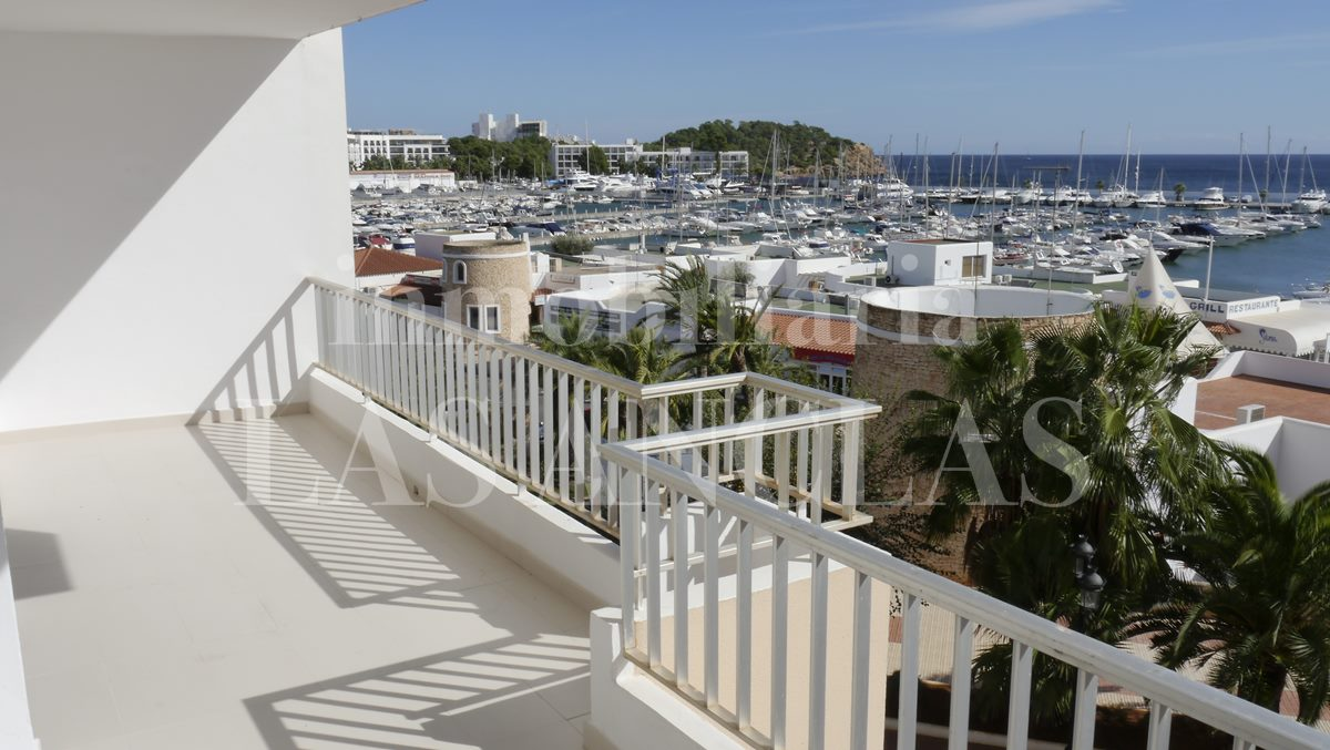 covered terrace with views of the harbour - flat / apartment in Santa Eulalia Ibiza for sale