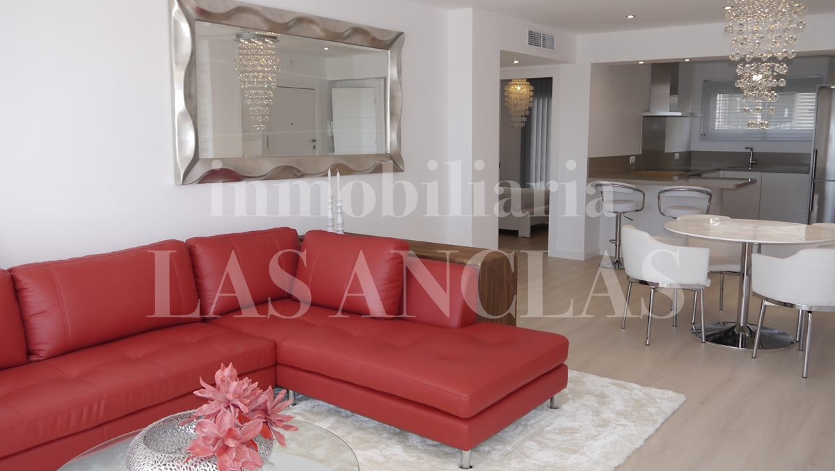 lounge with open-plan kitchen - flat / apartment in Santa Eulalia Ibiza for sale