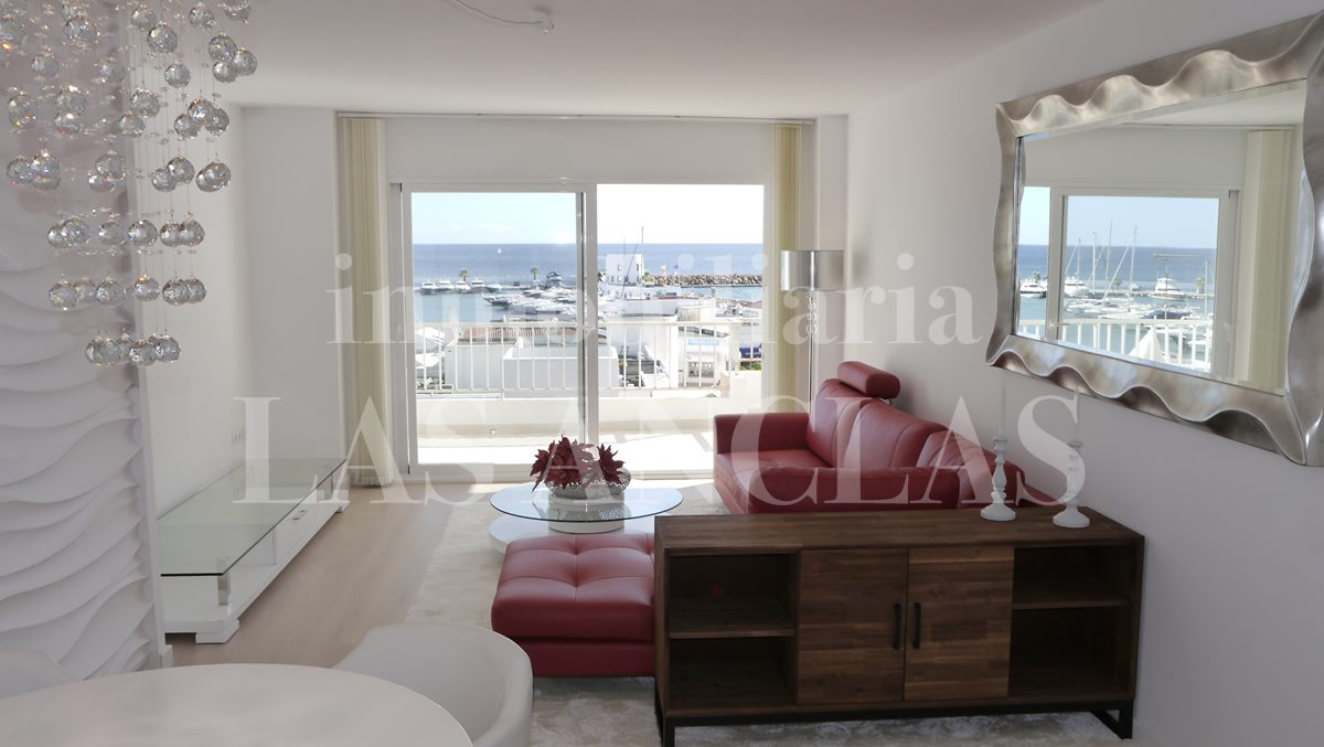 light flooded living ambience - flat / apartment in Santa Eulalia Ibiza for sale