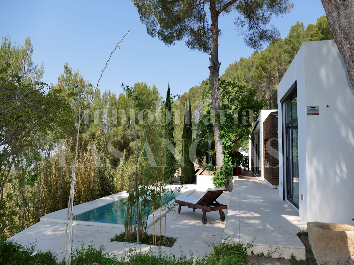 Private and peaceful oasis close to the village of Santa Gertrudis - villa in Santa Gertrudis Ibiza for sale