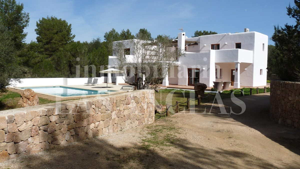 Ibiza Santa Eulalia - Modern, Ibizan-style finca with complete privacy for sale