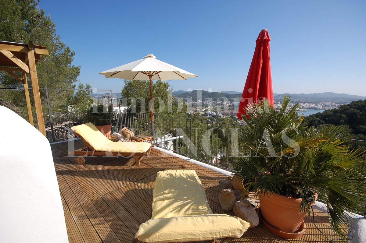 Ibiza Siesta - Charming detached house with distant sea views and guest studio for sale