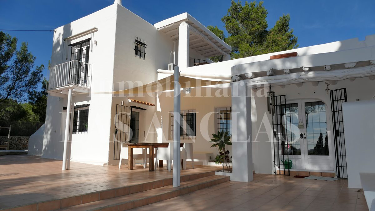 Ibiza Santa Eulalia - Finca-style villa with Sabina wood ceilings and lovely views to the sea for sale