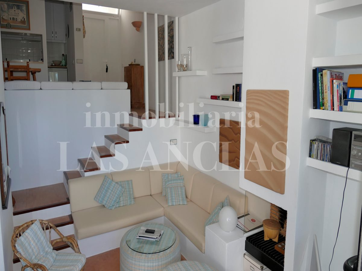 Ibiza Roca Llisa - Sea front and access to the sea! Sunny, loft-style terraced house for sale