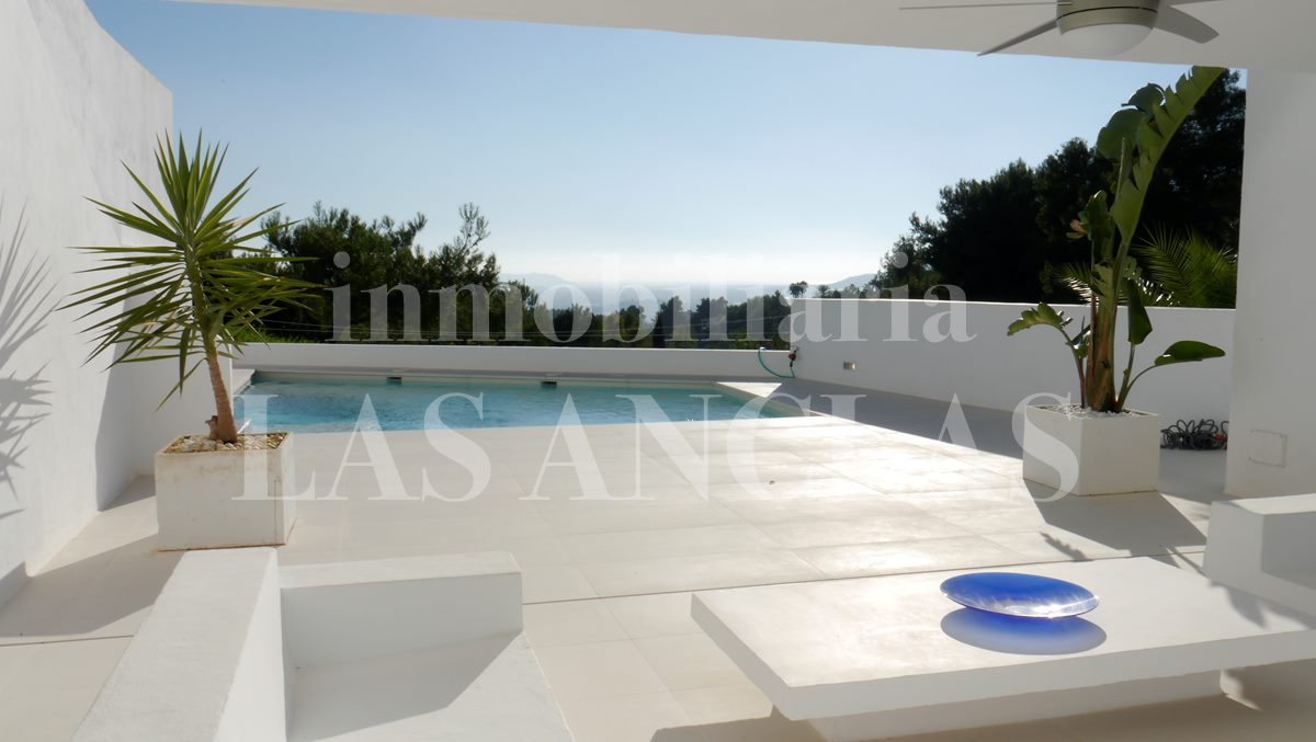Ibiza Jesús - Modern terraced house with fantastic views of the sea and Dalt Vila for sale