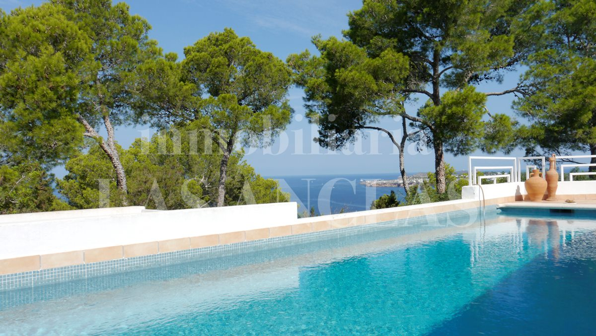 Ibiza west coast - Bright villa in great location with gorgeous sea views and tourist rental license for sale