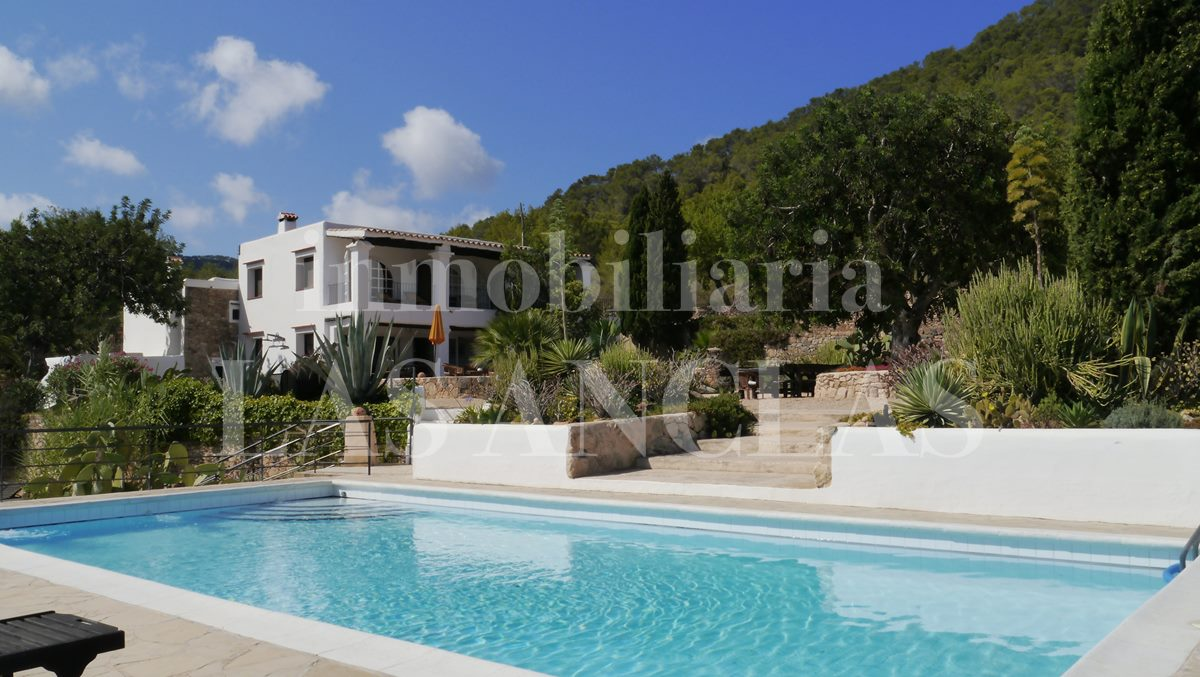 private and tranquil location - authentic finca mansion in San José Ibiza for sale