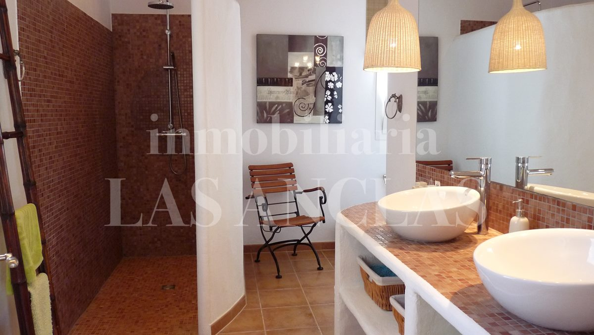 elegant guest bathroom - mansion / manor house in San José Ibiza for sale