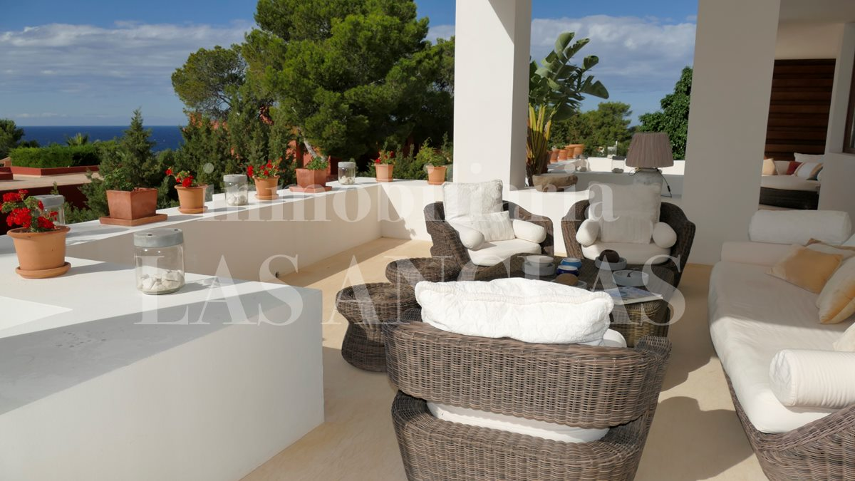 Ibiza west coast - Light-flooded, high quality villa with sea views and wonderful sunsets for sale