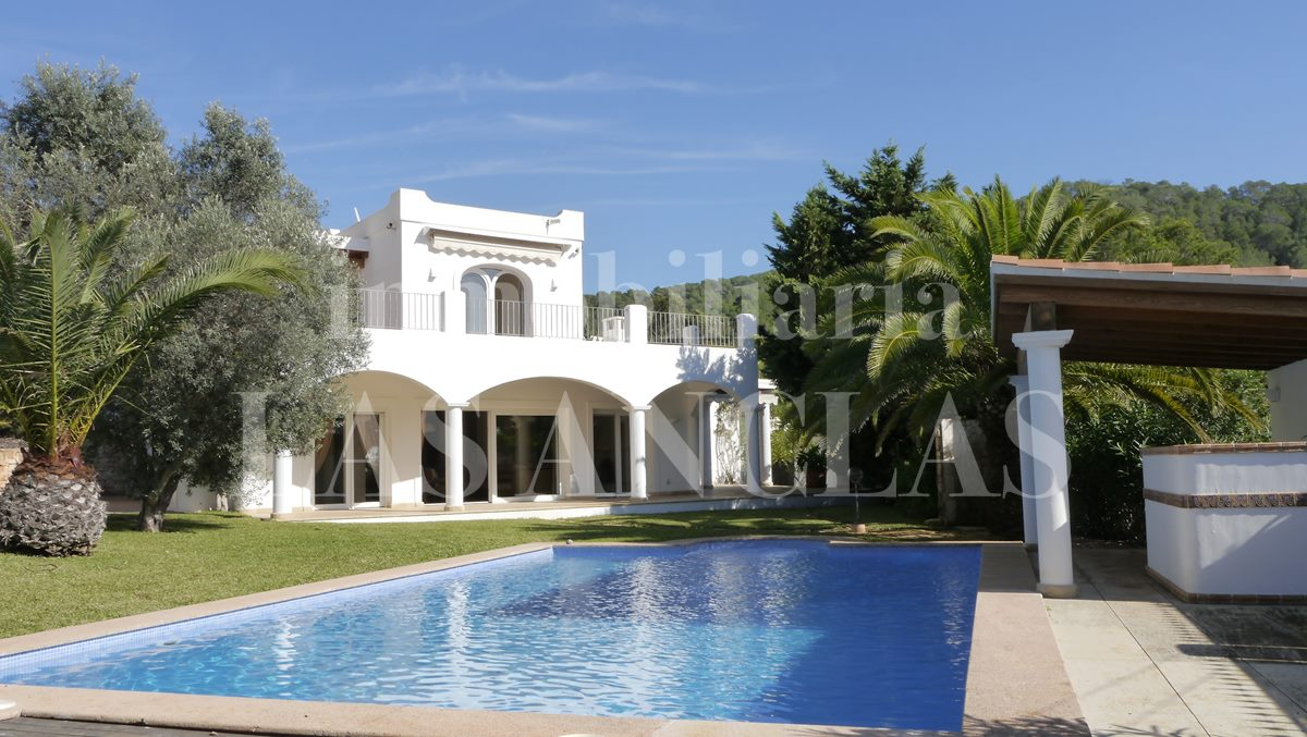 Ibiza Las Salinas - Extensive light and bright villa in a very quiet location close to the beach for sale
