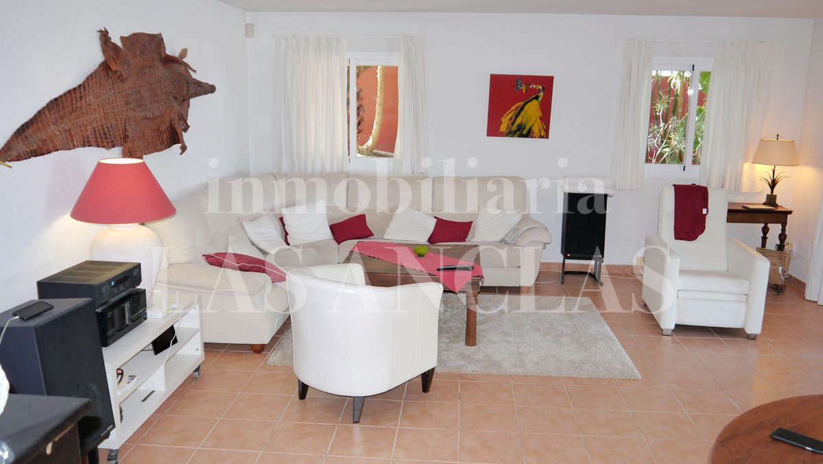 Ibiza San José - Attractive villa with pretty sea views and romantic sunsets for sale