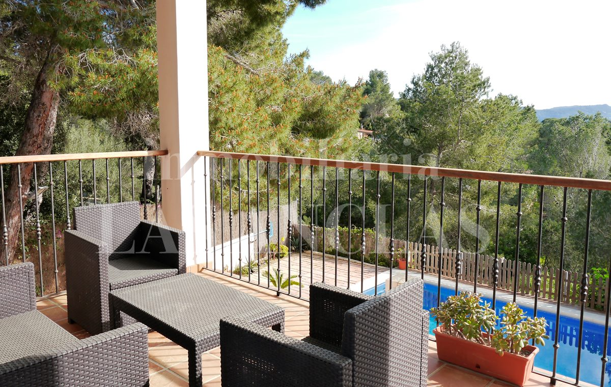 Ibiza west coast - High-quality house with guest suite near in central location for sale