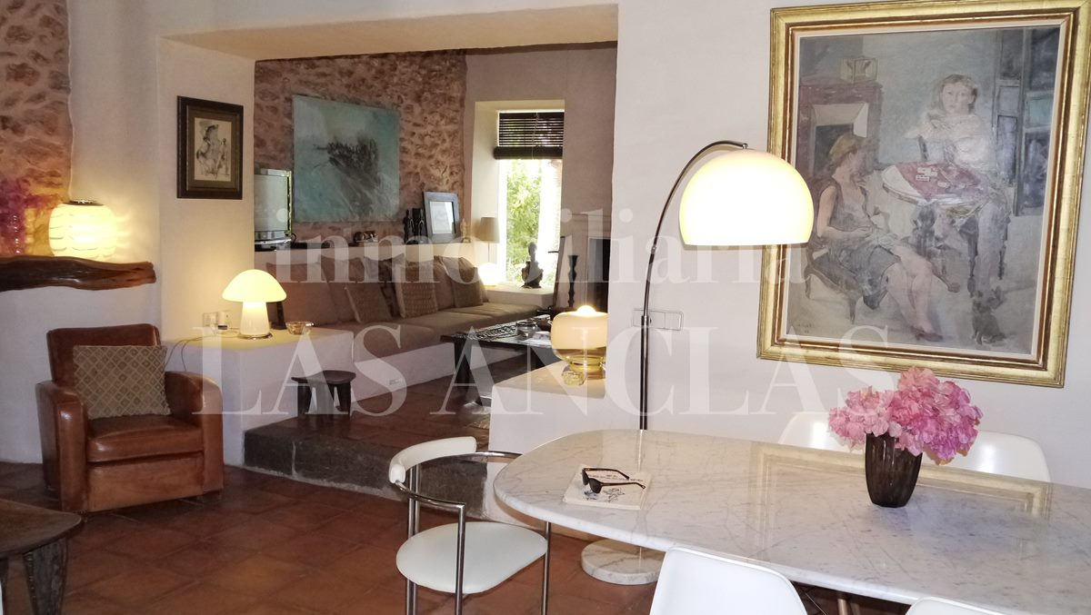 Round Table San Lorenzo Authentic Finca Mansion In San Lorenzo Ibiza For Sale Ref 404