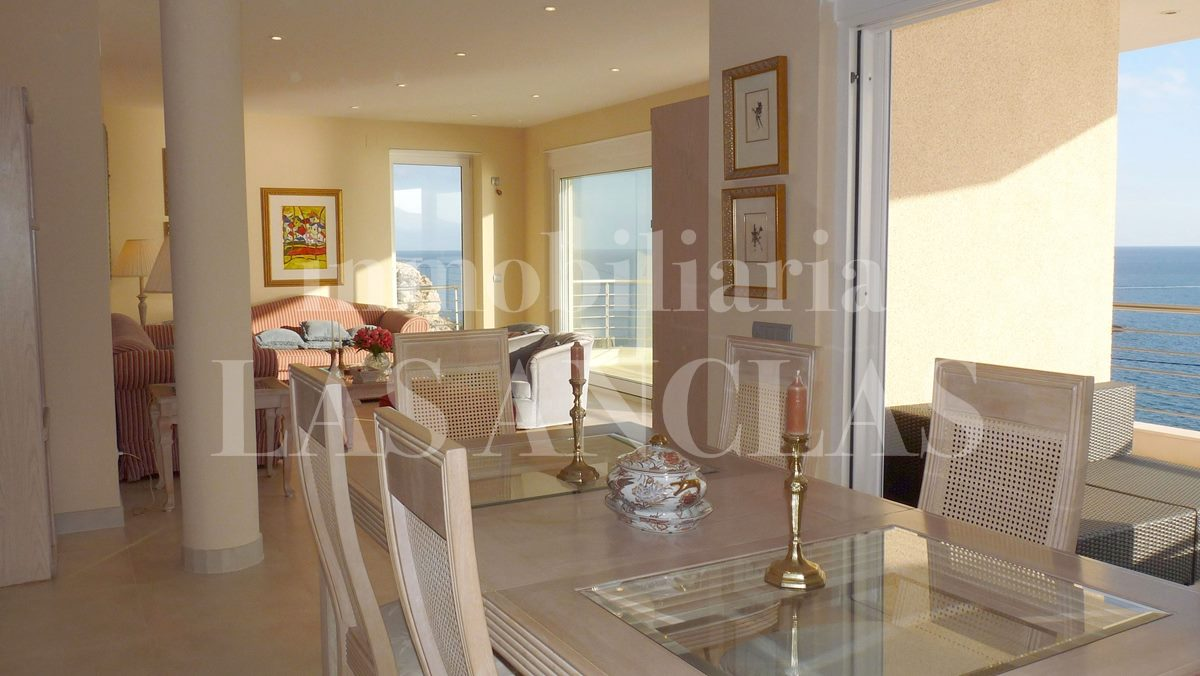 Ibiza Eivissa - Elegant, high-quality flat on front line of the sea for sale