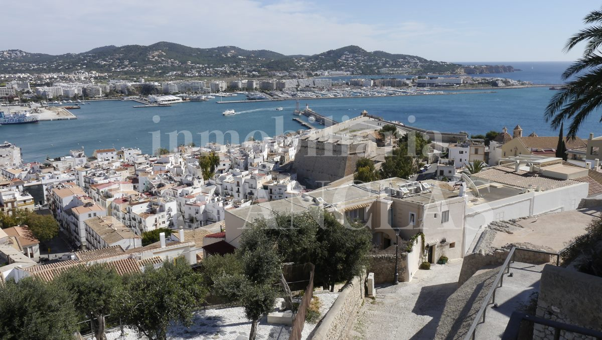 Ibiza Dalt Vila - Historic townhouse with lift and views in the heart of the medieval citadel for sale