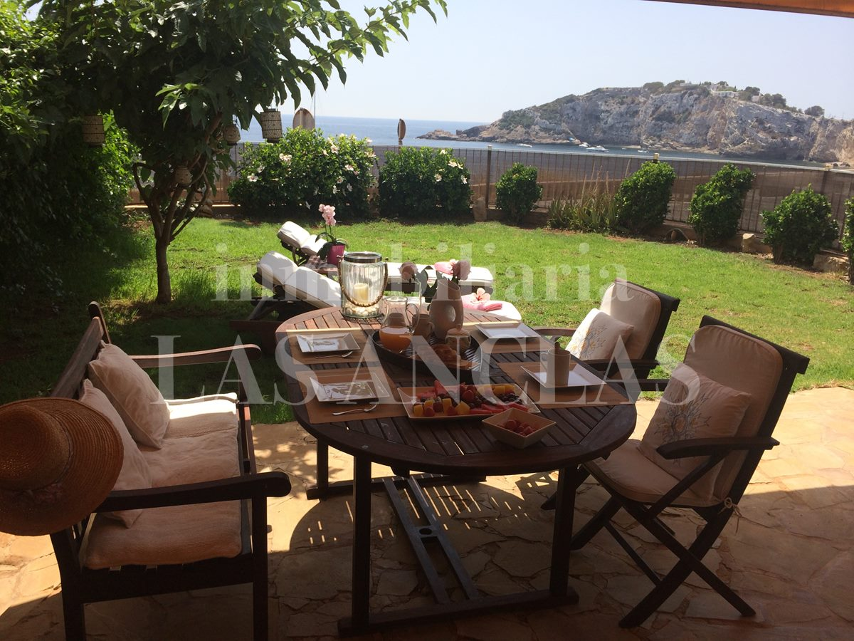 Ibiza / Eivissa - Corner terraced house with garden and smashing views by the sea for sale