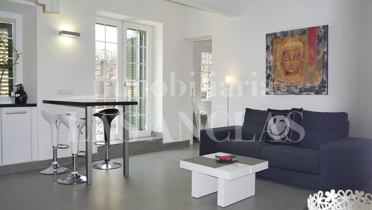 living room with access to terrace and main bedroom - flat / apartment in Dalt Vila Ibiza for sale