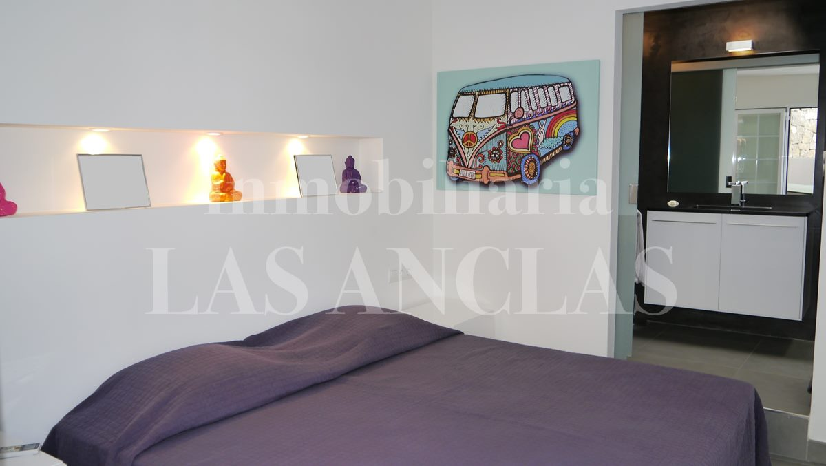 bedroom with en-suite bath - flat / apartment in Dalt Vila Ibiza for sale