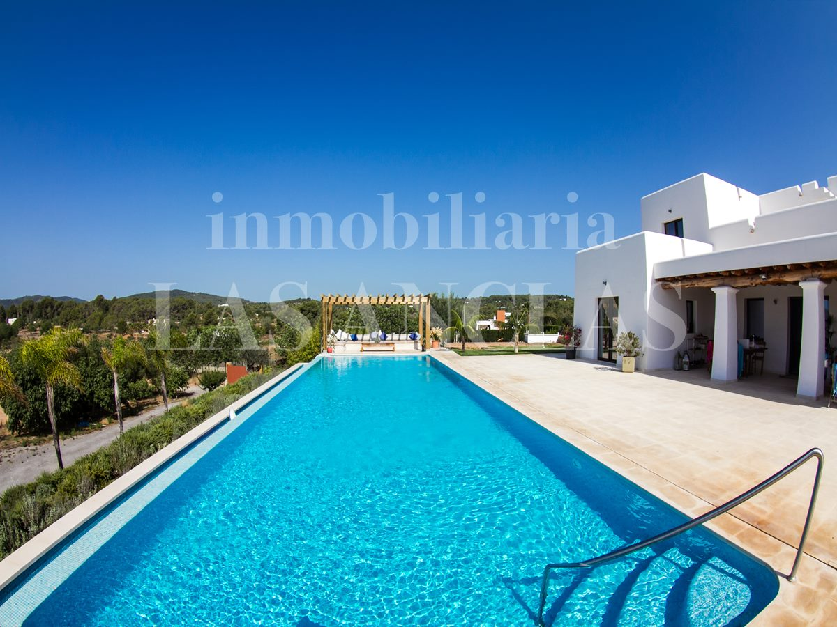 Ibiza Santa Gertrudis - Dreamlike, luxury country villa with marvellous landscape views for sale