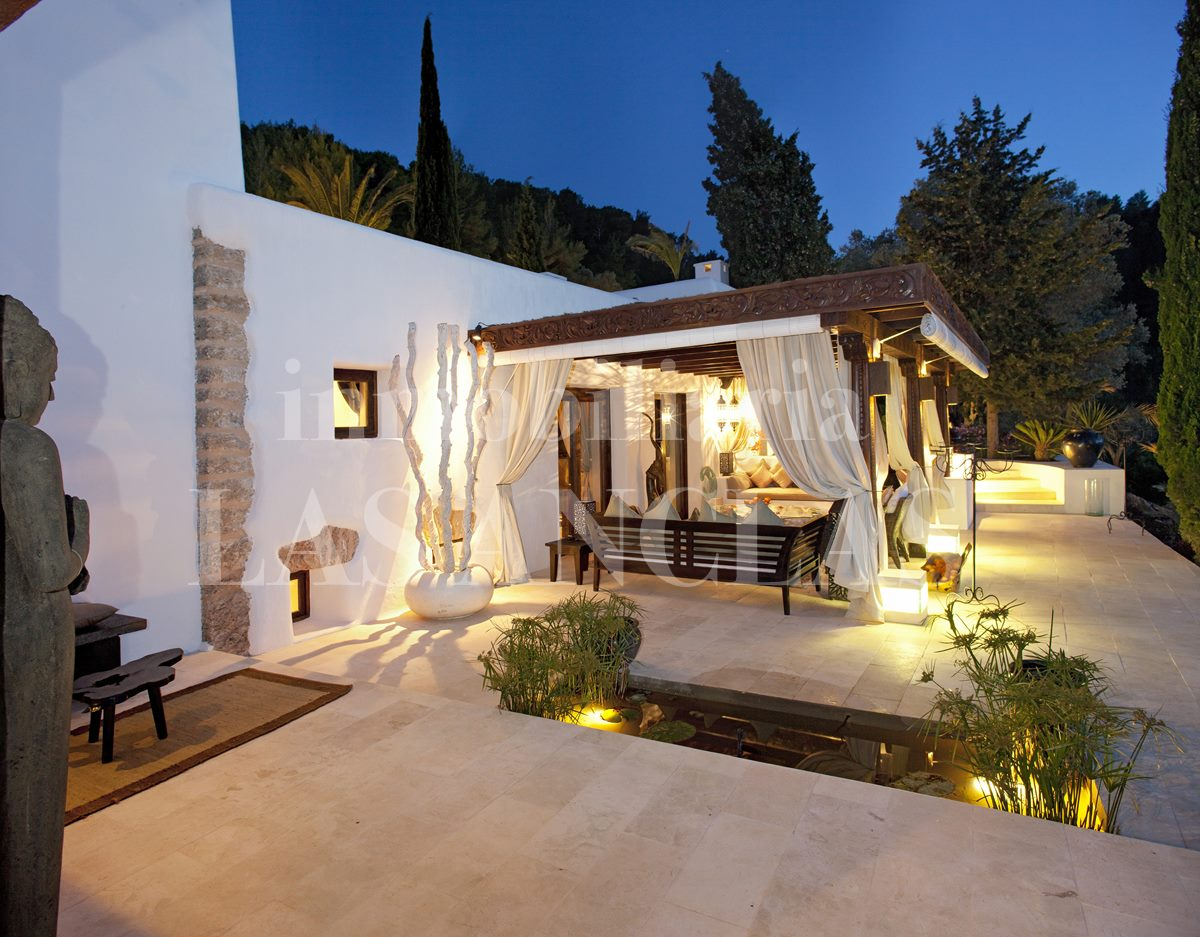 Ibiza San Juan - Hotel-like estate with rental license and 2 pools for peace seekers for sale