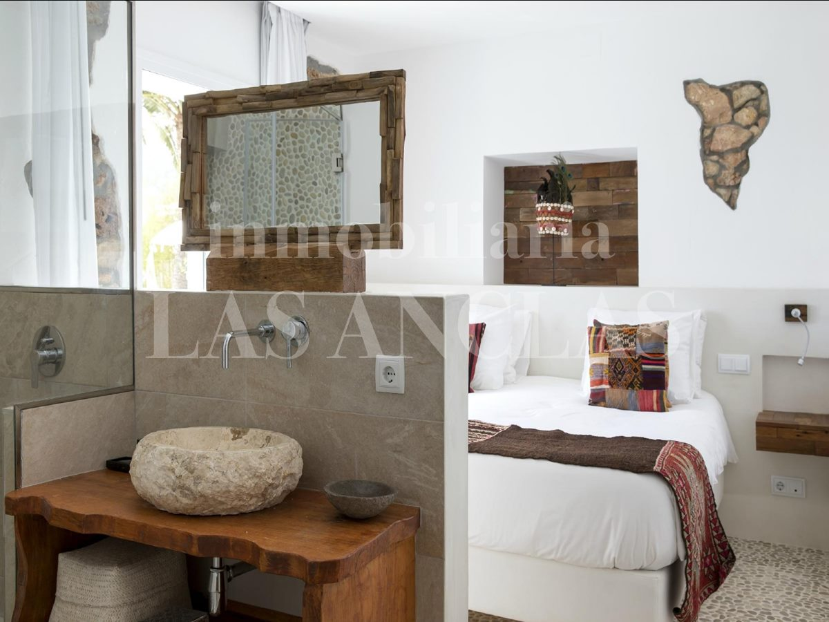 Ibiza Santa Eulalia - Very stylish and exclusive country hotel with independent house for sale