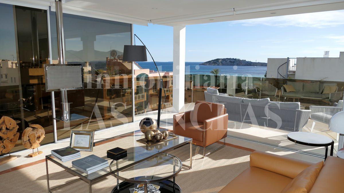 Enjoy the pleasant sea breeze from your living room - luxury penthouse flat in Talamanca Ibiza for sale