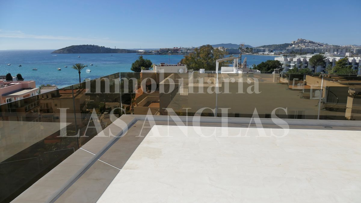 Extensive private roof top with panoramic views of the sea and Dalt Vila - luxury penthouse flat in Talamanca Ibiza for sale