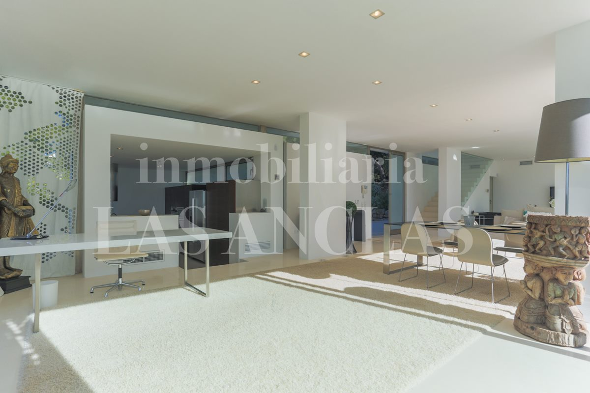 Ibiza Talamanca - Modern luxury villa in prime location with unique panoramic views for sale