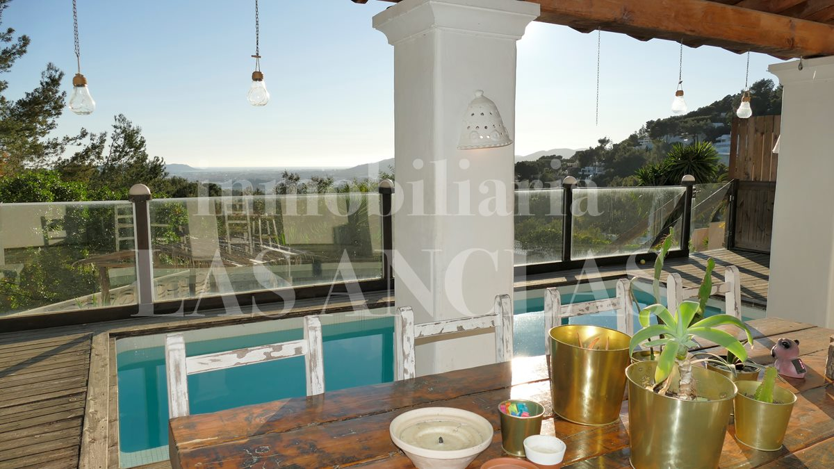 Ibiza Jesús - 2 in 1! 2-apartment-house in secure location with awesome views for sale
