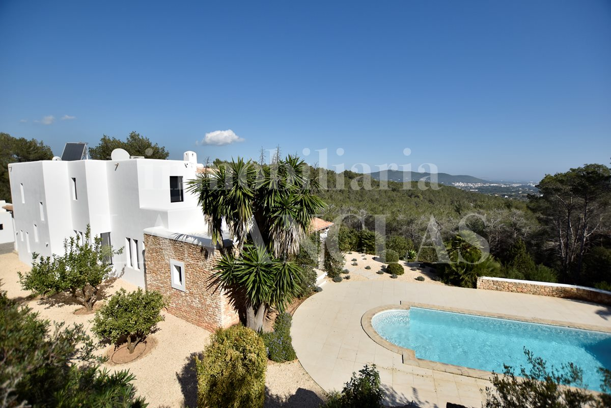Ibiza Santa Eulalia - Stately country villa in secluded location with splendid panoramic views for sale