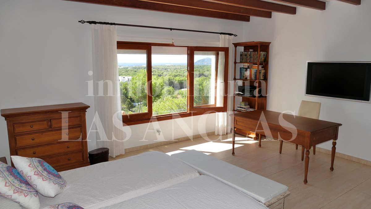 Ibiza San Carlos - South facing, tranquil country villa with rental license & panoramic views for sale