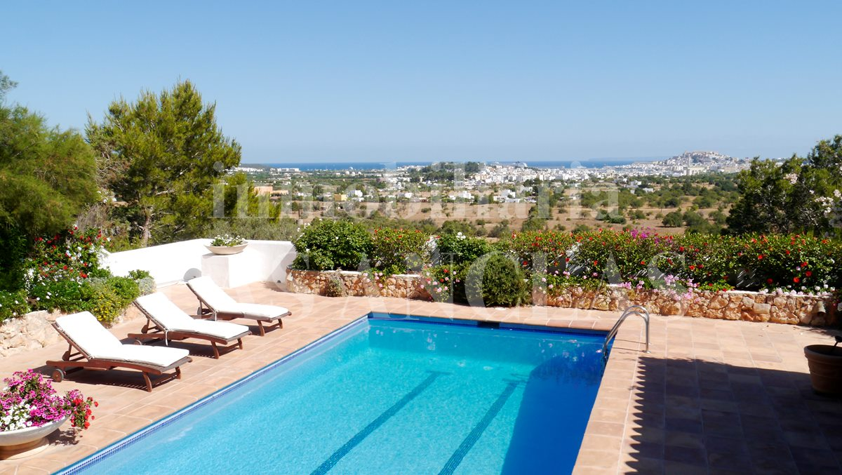 Ibiza San Rafael - Cosy and rustic Finca-style villa with sensational views of the sea for sale