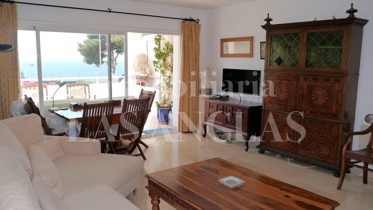 Living in brightness with pretty views - flat / apartment near golf course Ibiza for sale