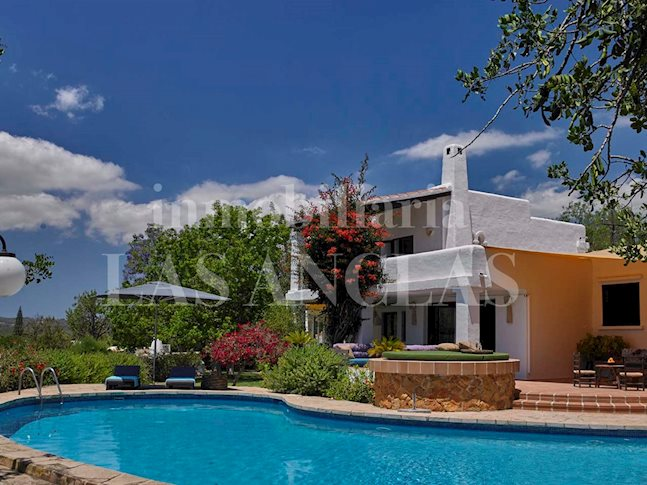Ibiza Jesús - Tourist rental license! Wonderful villa with garden and views to Dalt Vila for sale