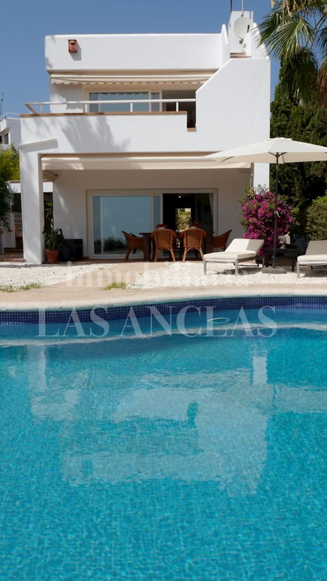 Ibiza Talamanca - Sunny house in privileged location with beautiful sea views to buy