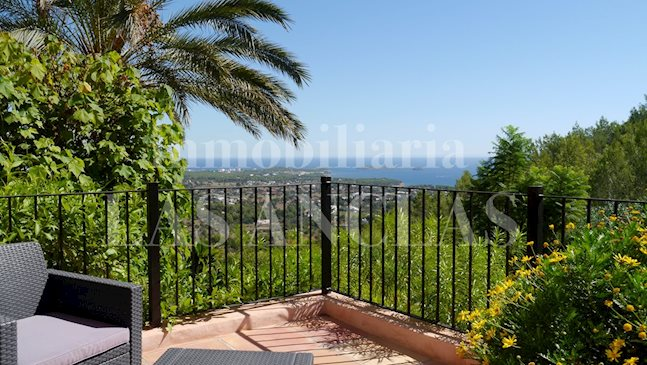 Ibiza Santa Eulalia - Mansion in spectacular location with rental license and awesome views to buy