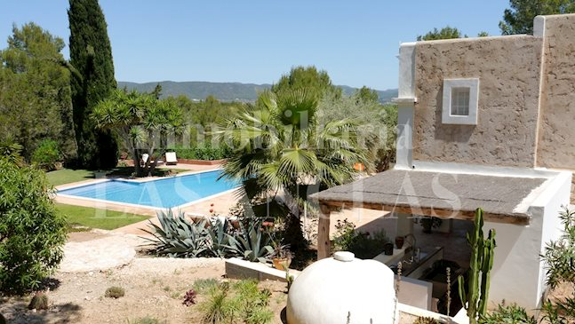 Ibiza San José - Authentic finca with 2 guests houses in completely peaceful location to buy