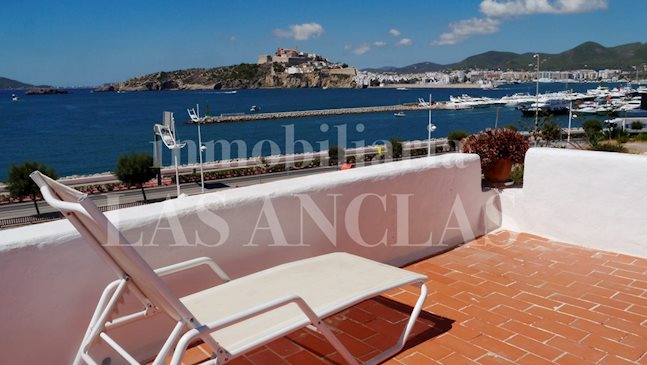 Ibiza Marina Botafoch - Seafront house with 2 living units and views of the sea and Dalt Vila to buy