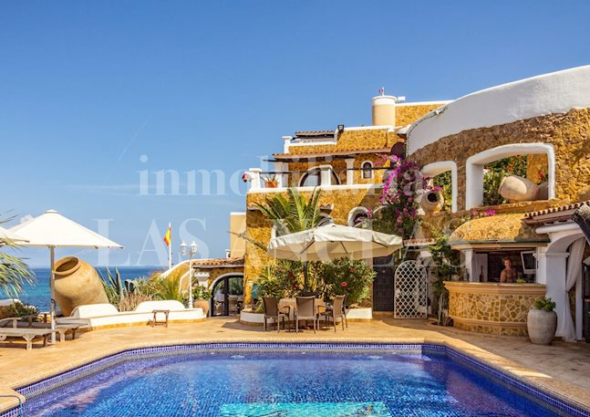 Ibiza San Juan - Luxury estate on first sea line and beach access with rental license for sale