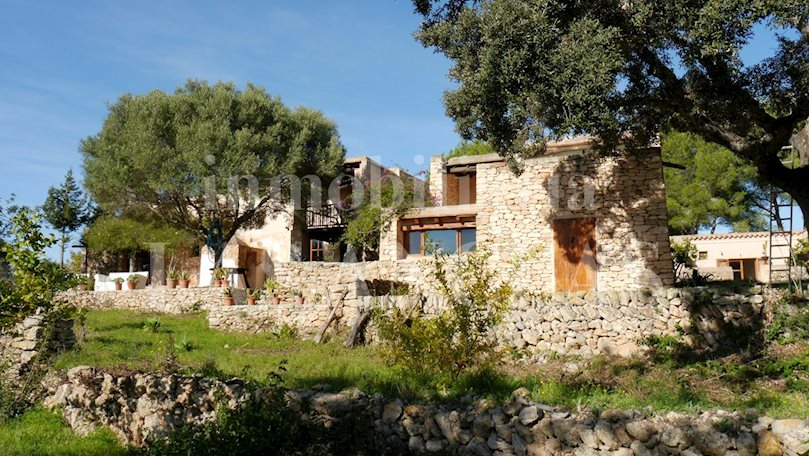 Ibiza Jesús - Idyllic finca with a lot of character and privacy in peaceful surroundings for sale
