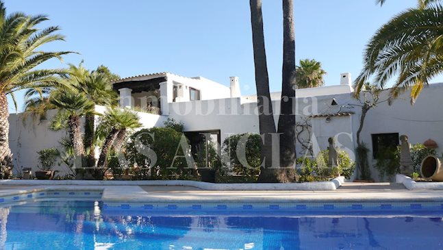 Ibiza Santa Gertrudis - Very charming and large 16th century finca with touristic rental license to buy