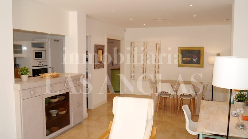 Ibiza Talamanca - Beautiful ground floor flat with large terraces a walk away from the beach to buy