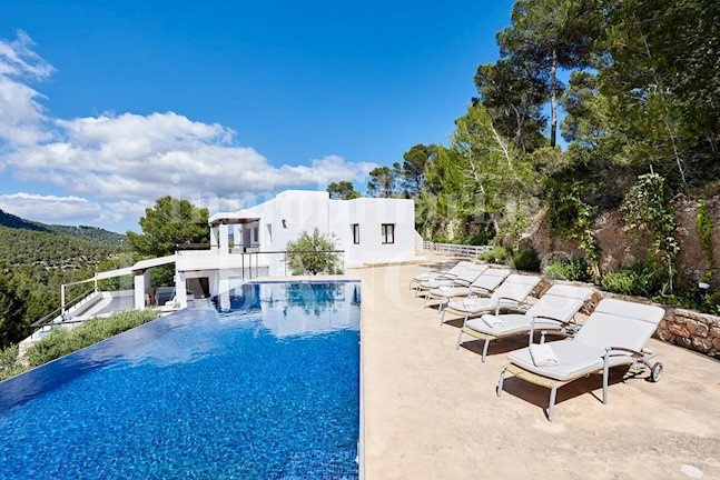 Ibiza Es Cubells - Villa in a scenically beautiful and idyllic area with holiday rental license for sale