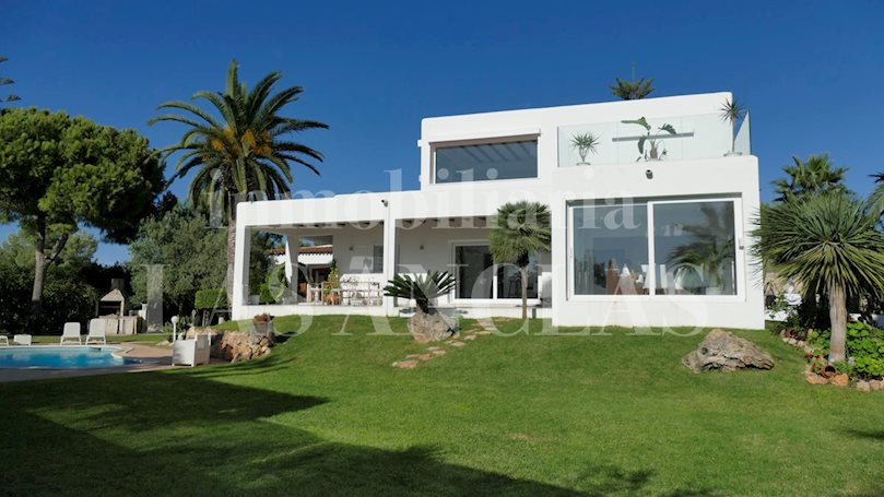 Ibiza Jesús - Very bright and central villa with guest apartment and garage for 6 cars to buy
